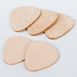 Corter Leather - Guitar Pick in Natural 5Pack