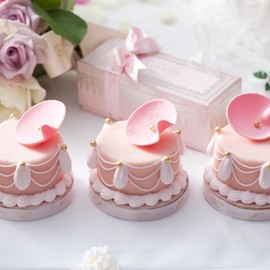 Laduree - Mini Marie Antoinette cakes