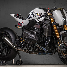 "VTR Customs - BMW R1200 R LC ""Veneno Blanco"""