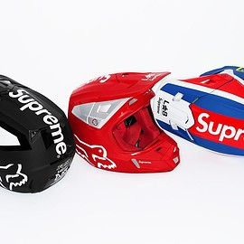 Supreme, Fox Racing - V2 Helmet