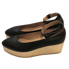 COSMIC WONDER Light Source - wood wedge pumps