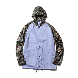 SOPHNET. - CAMOUFLAGE MIX HOODED COACH SHIRT