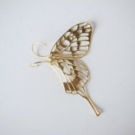 marzo-jewelry - delicate air earrings - swallowtail