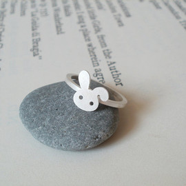 Luulla - bunny rabbit ring in sterling silver No. 2, handmade in beautiful Cornwall, UK