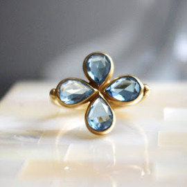 marie helene de taillac - aquamarine clover ring