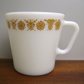 PYREX - Old Pyrex Butterfly Gold Mug Cup
