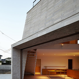 Aray Architecture - Shirasu house with volcanic soil brickwork, Kagoshima