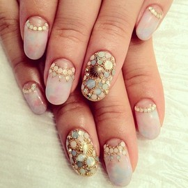 nails - Soft Glam Nail