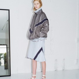 Sacai Luck - Pre SPRING/SUMMER 2015READY-TO-WEAR