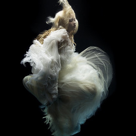 Zena Holloway - Angel 5