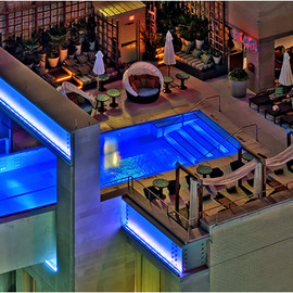 HOTEL JOULE - GLASS POOL