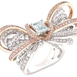 CHANEL - Couture Bow ring - diamonds