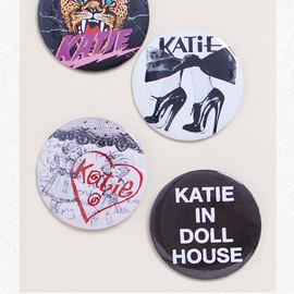 KATIE - BADGE