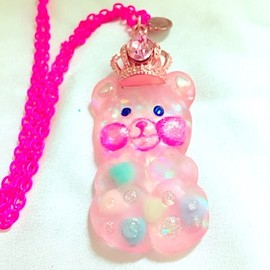 PINK SALON - Gummy Bear Pink Queen