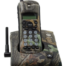 Motorola - Limited Edition 2.4 GHz Cordless Telephone - Camo