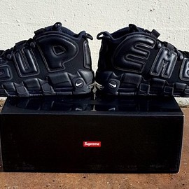 Supreme, NIKE - Air More Uptempo - Black/Black/Black