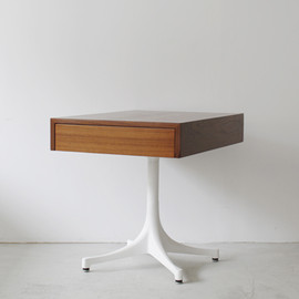 Herman Miller - Pedestal End Table #5655 by George Nelson