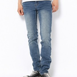 CHEAP MONDAY - Tight Dark Clean Wash