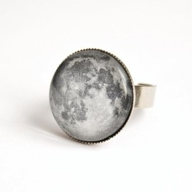 Luulla - Moon adjustable ring with glass cabochon