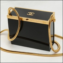 CHANEL - vintage box handbag
