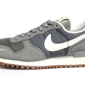 NIKE - NIKE AIR VORTEX RETRO