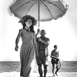 Robert Capa - Pablo Picasso and Françoise Gilot