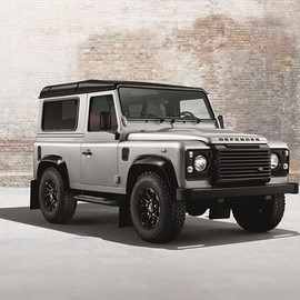 "Land Rover - Land Rover Defender ""Black & Silver"" Pack"
