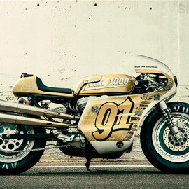 SPORSTER BY ART OF RACER