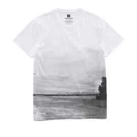 GAP × VISIONAIRE - Transforming T-Shirt - artwork by Peter Lindbergh