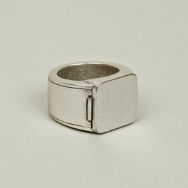 MAISON MARTIN MARGIELA - HIDDEN SECTION SILVER RING