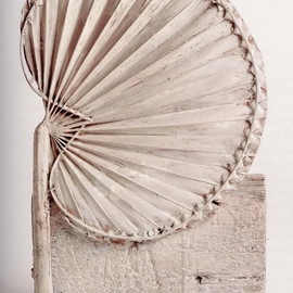 Cy Twombly - Cycnus, 1978, sculpture, wood, palm leaf, nails and paint