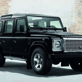 Land Rover - 2015 Defender Black Silver Pack