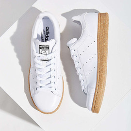 ADIDAS ORIGINALS - Stan Smith White/Gum Sole
