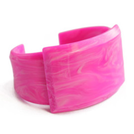 TOGA - Artificical Marble small Bangle (pink)