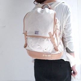 BOTTE(ボット) - shoelace backpack white
