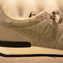LOOPWHEELER × NIKE - internationalist ostrich