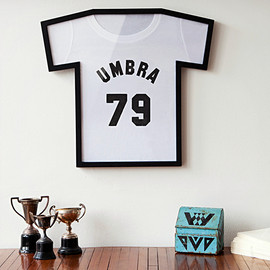 UMBRA T-SHIRT DISPLAY CASE
