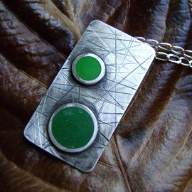 Luulla - Silver pendant - Green coloured resin application
