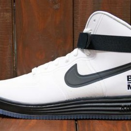Nike - NIKE LUNAR FORCE 1 HYPERFUSE HI CITY QS WHITE/BLACK