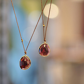 SOURCE - Enclosed Free Form Garnet Necklace