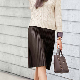 Ann Taylor - Ann Taylor Cropped Cable Sweater