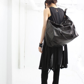 ANN DEMEULEMEESTER - LEATHER BAG