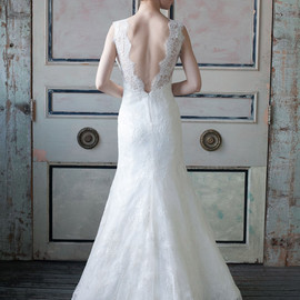sareh nouri - wedding dress french alencon lace back view train