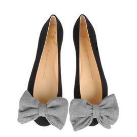 Giuseppe Zanotti Design - Black suede ballerina pumps with a maxi bow in gray cloth