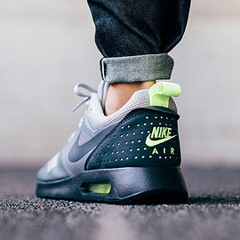 NIKE - Air Max Tavas - Wolf Grey/Anthracite/Clear Grey/Black