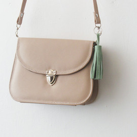 Sarah leather clutch small