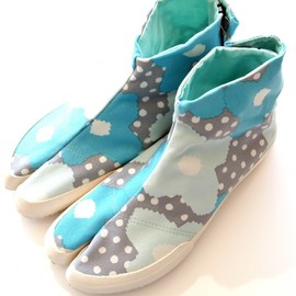 "SOU・SOU - ""Tabi Split-Toe Shoes"" (Baby Blue Flower And Dots)"