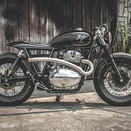 "Zeus Custom - ""The Prime Project"" Royal Enfield Interceptor 650"