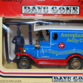 LLEDO - DAYS GONE DIE CAST DELIVERY TRUCK