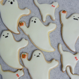 Thumb and Cakes - ghost cookie